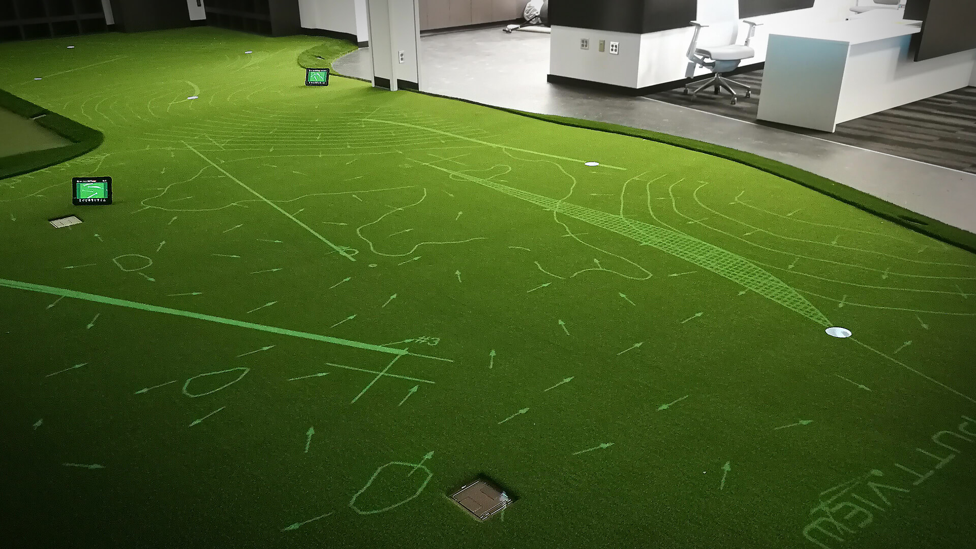The perfect practice putting mat doesn't exist? Well, think again