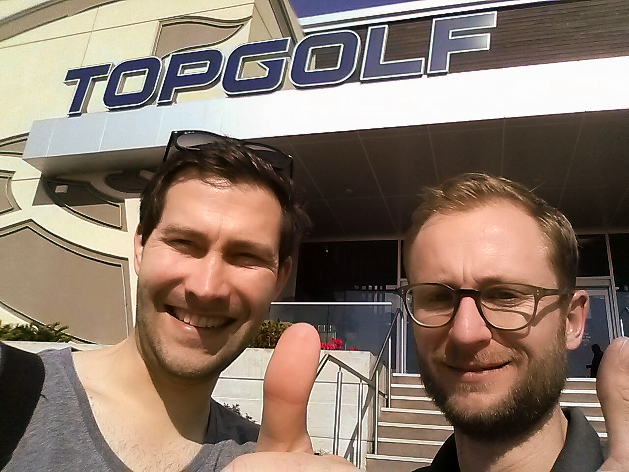 Having fun while being in the United States. A visit at Topgolf is a must! . © puttview.com