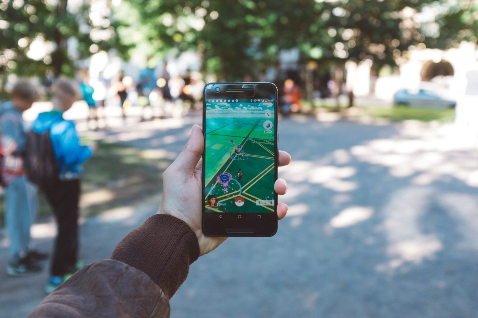 AR technology is most commonly known from the game Pokémon GO. But it can also enhance your learning experience!